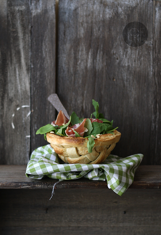 ensalada de rucula en cesta