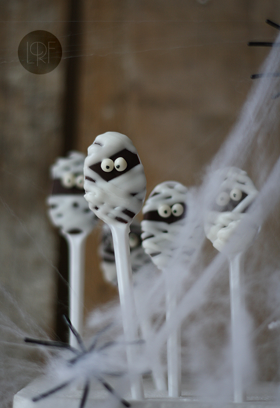 Mummy chocolate spoons