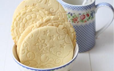 Galletas de mantequilla grabadas