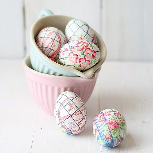Cómo decorar huevos de Pascua (con servilletas)