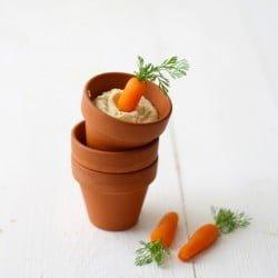 Hummus con zanahorias/Hummus with baby carrots